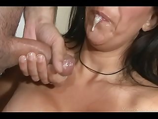 Mature latin gets dirty and tastes a delicious pecker