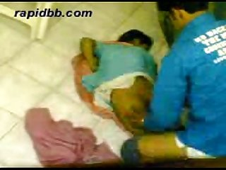 Hot north indian girl fucking her bf in home