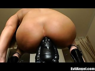 Anal queen roxy raye shoves huge toys up her ass