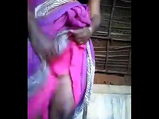 Saree Hiking n showing Pussy