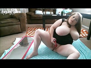 BBW Experimenting With Her Dildo and Oil