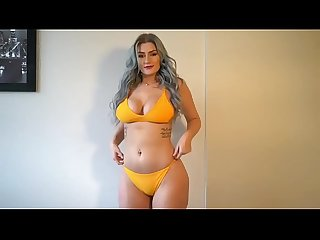Emmy Bre bikini try on