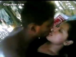 001037 Desi hot Aunty fucked black guy more videos with this girl likefucker com