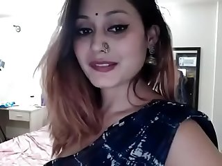 Desi bhabi doing fun on webcam 2 qw