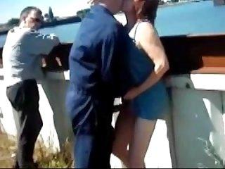 Elle se fait baiser n importe ou