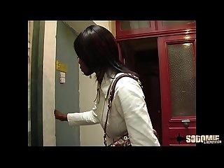 Anksa Kara se fait encul�e par le patron pour obtenir le job
