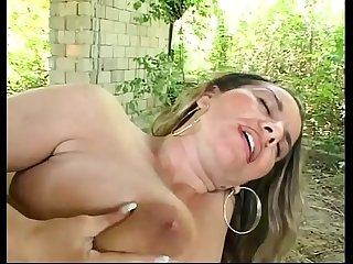 How young boys love to bang the ass of cute milfs!