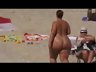 bunda grande - extreme big phat ass booty topless sunbathing string