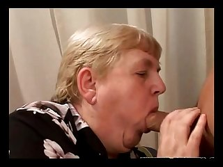 Huge mature granny sucking before plowed with cock