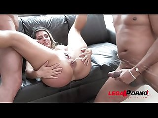 Mia Linz 3on1 monster cock fuck session with DP & pissing
