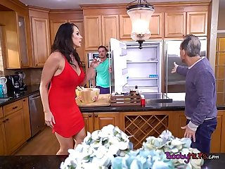 Curvy cougar reagan foxx has oral sex with hung gardener