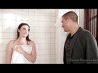 Sister Boyfriend fuck elder sister in shower