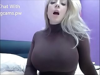 Big Bouncy tits nake live on webcam