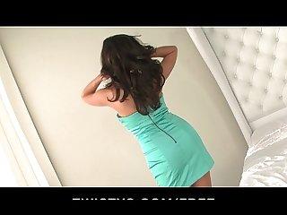 Big tit brunette babe taylor vixen finger fucks herself on camera