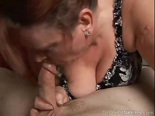 Chunky old babe loves to suck cock