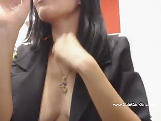 Pubic webcam restaraunt flashing girl
