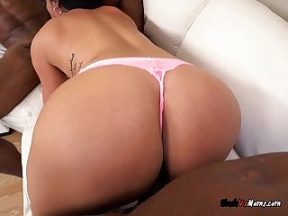 Mature hoe cristal caraballo gets spit roasted by studs