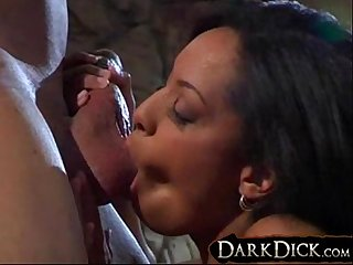 Pornstar jazmine Cashmere sucks a big black cock