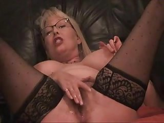 Hot mom begs to squirt more at moistcamgirls com