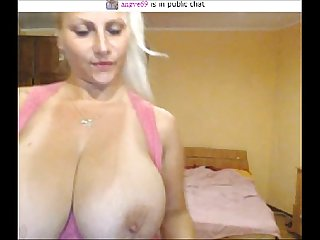Webcam angye69 huge tits topless 8 31 15