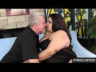 Fatty Bella Bangz gets buttfucked