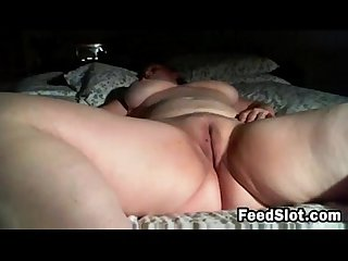 Thick and lazy cam chick masturbates