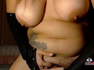 Morenaza espaola juega para ti con sus juguetes culo y coo contacta con Ella en www ellasbuscan com