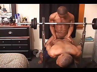 Watch part of the muscle building work Hotmovs.com