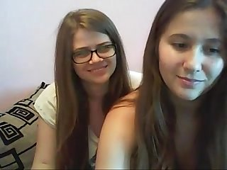 lbrack camgirls rsqb cute couple Young Lesbians having sex on cam