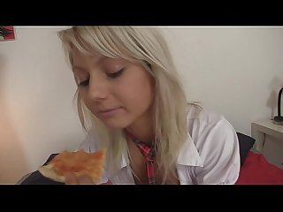 18yo schoolgirl gets fucked by pizza delivery boy