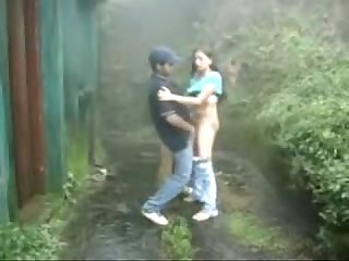 Www indiangirls tk indian girl sucking and fucking outdoors in rain