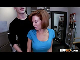 Big tit milf veronica avluv squirts in the backroom 1 period 2
