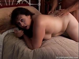 Cute chubby mature amateur richelle loves to fuck
