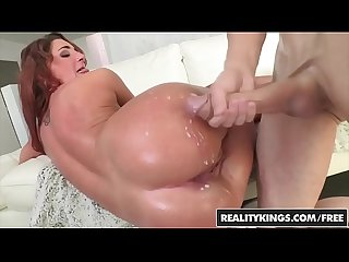 Realitykings monster curves lpar chris strokes rpar lpar savannah fox rpar sexy savannah