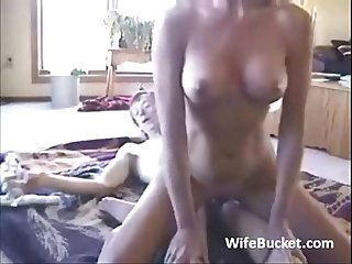 Great homemade sex on the floor