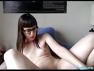 Orgasmic Nerd girl playing her pussy and her toys