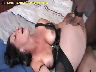 Cougar\'s Interracial Fuck and foot job