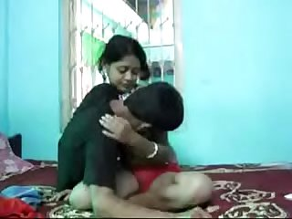 Indian sexy girl fucked by his neighbour