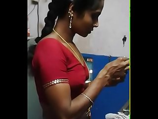 Madurai hot married girl showing boobs hidden