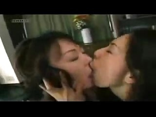 Lesbos kiss sexy asian girls kiss each other