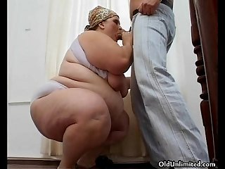 Bbw Mature housewife loves sucking big