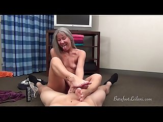 Leilani lei gives jason voor a foot job