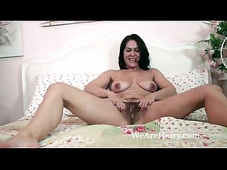 Youporn The sexy and mature Milf kaysy strips in bed