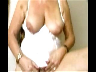 Delicious granny from epikgranny com masturbating