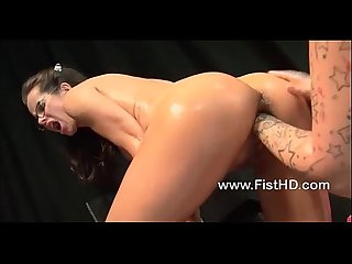 Kinky dirty bitch gets her pussy fisted by mandy cinn