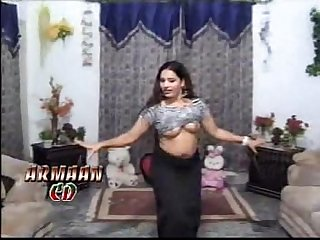 Chanda mujra dance showing her gorgious tits