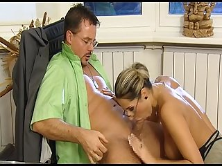 Office fuck den chef ficken f r mehr geld erotic planet german