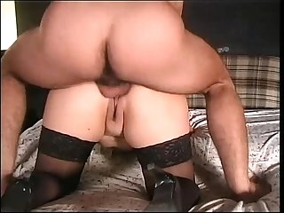 Real mature italian couple filmed while he breaks her ass
