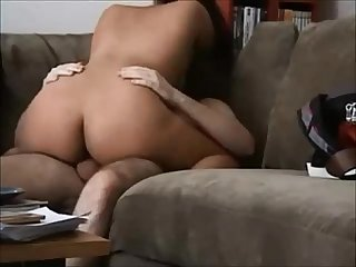 Round butt milf gets fucked on real homemade