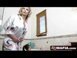 Mature bossy mother in law phoenix marie dominating petite cindy starfall
